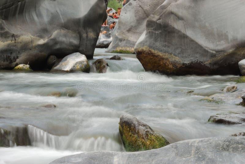 Alcantara Fluss lizenzfreies stockfoto