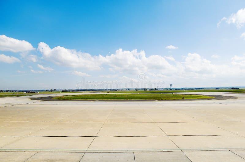 Alcatrão do aeroporto imagens de stock royalty free
