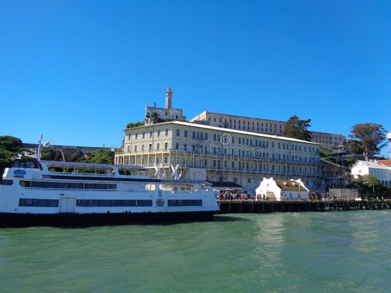 alcatrazö från fartyget royaltyfria bilder