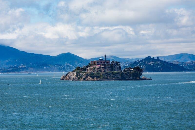 Alcatraz με το Marin στο υπόβαθρο στοκ φωτογραφία