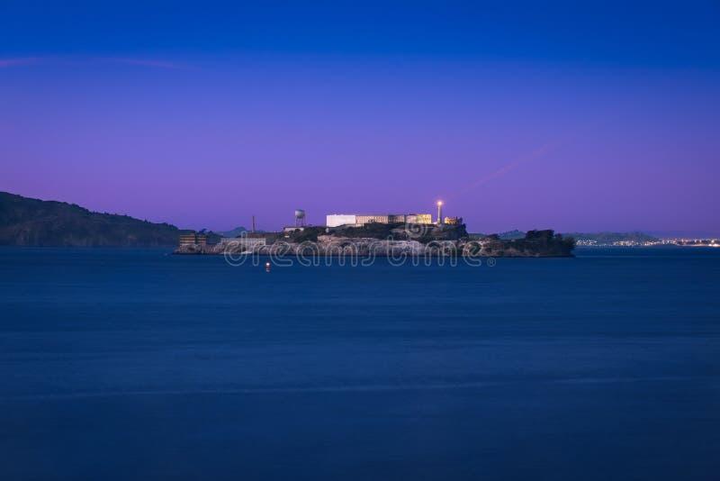 Alcatraz & blå timme royaltyfria foton