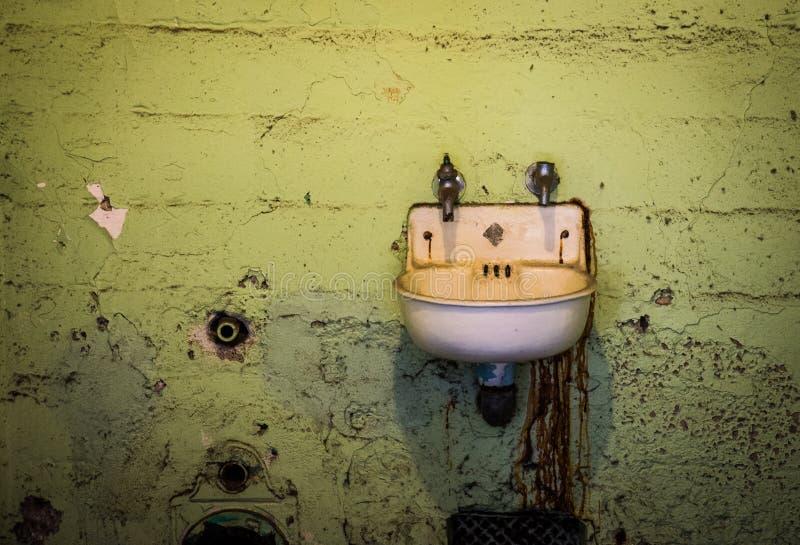 Alcatraz cela więziennej zlew obraz royalty free