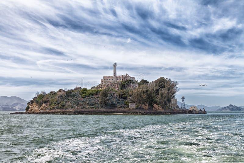 Alcatraz wyspa od wody zdjęcia royalty free