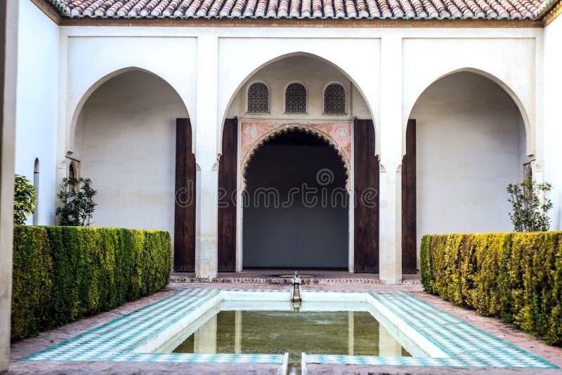 Alcazaba inre borggård fotografering för bildbyråer