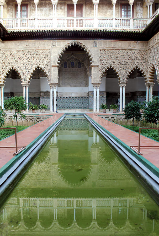 alcazar μαυριτανικό παλάτι πραγμ& στοκ εικόνες
