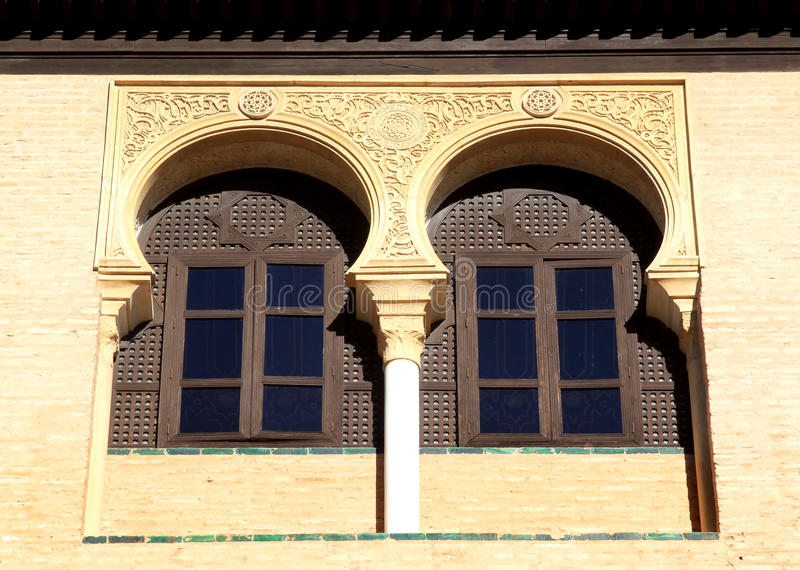 alcazar arabscy istni Seville typowi okno obrazy royalty free