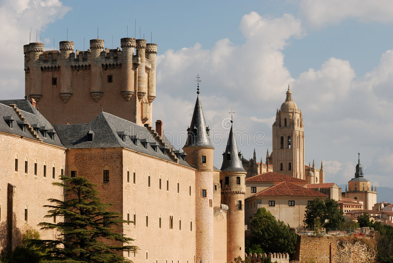 Download Alcazar And Cathedral Of Segovia Royalty Free Stock Images - Image: 3673309