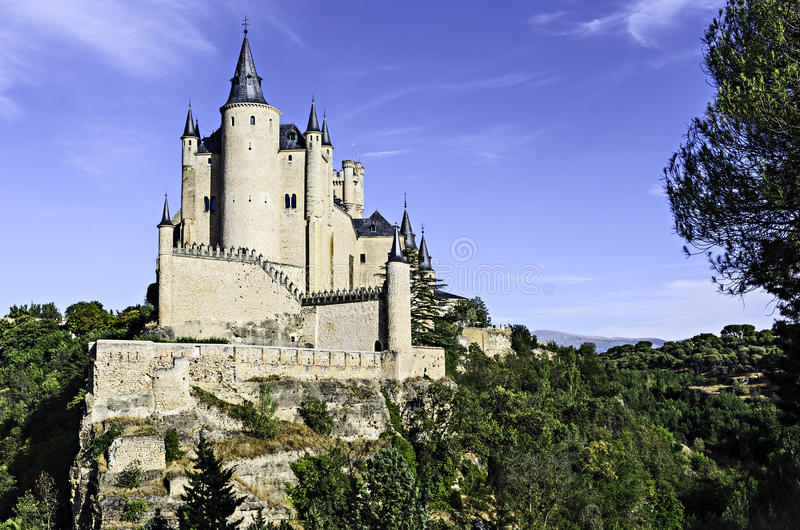Download Alcazar de Segovia, Spain foto de stock. Imagem de castelo - 26522874
