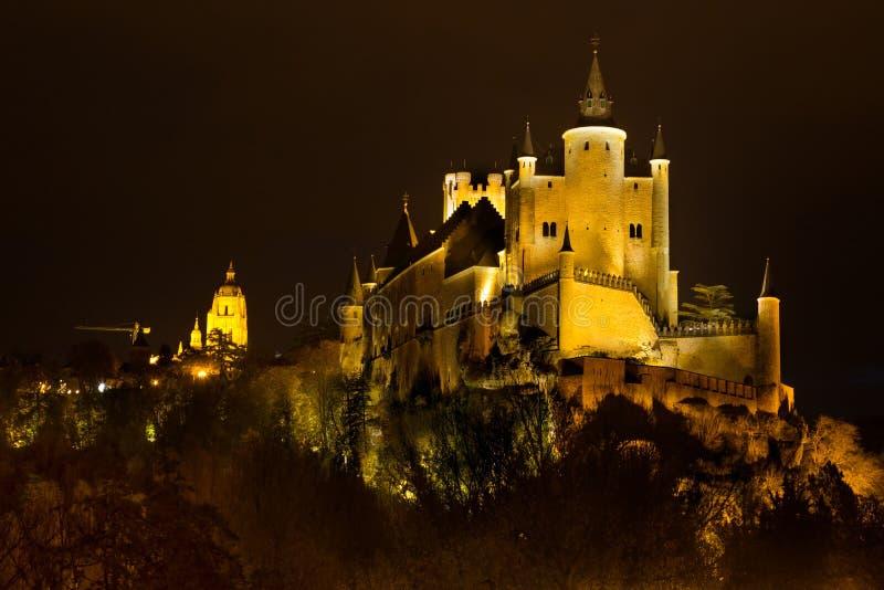 Alcazar di Segovia nella notte fotografie stock libere da diritti