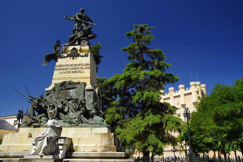 Alcazar Segovia jest średniowiecznym alcà ¡ zar lokalizować w mieście Segovia Leà i Castile ³ n, Hiszpania obrazy royalty free