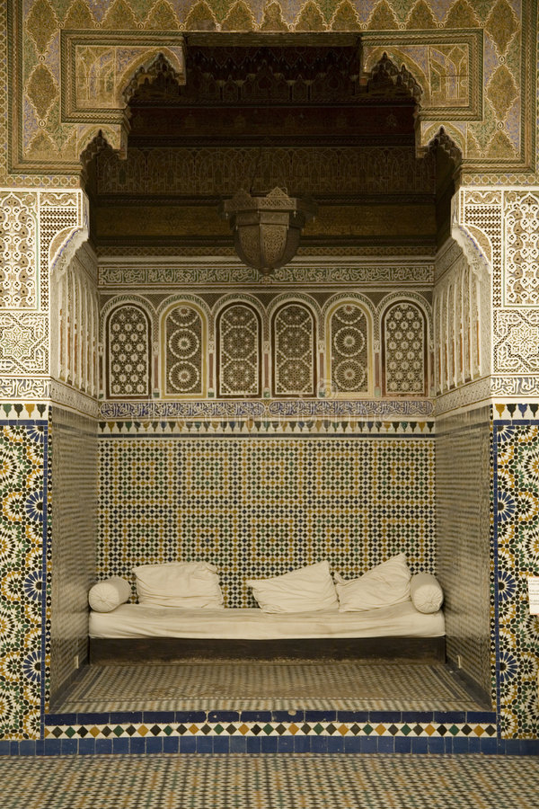 Alcoba con los mosaicos árabes imágenes de archivo libres de regalías