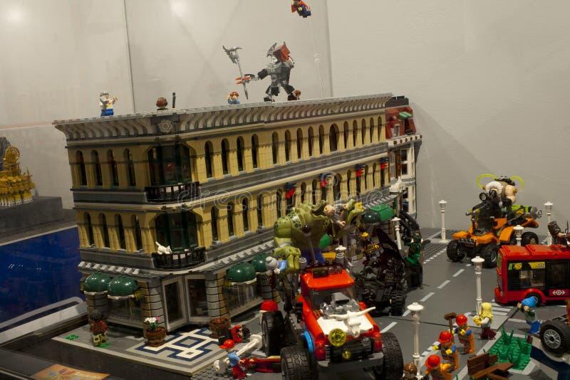 Alcobendas, SPAGNA, il 19 ottobre 2018 Costruzioni in una mostra di Lego City fotografie stock