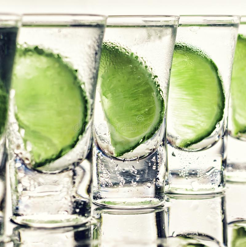 Alcohol, cóctel, bebida, hielo, Caipirinha, mojito, cockt del alcohol fotos de archivo libres de regalías