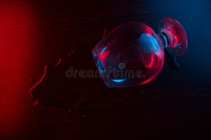 alcohol partido del vidrio fotografía de archivo