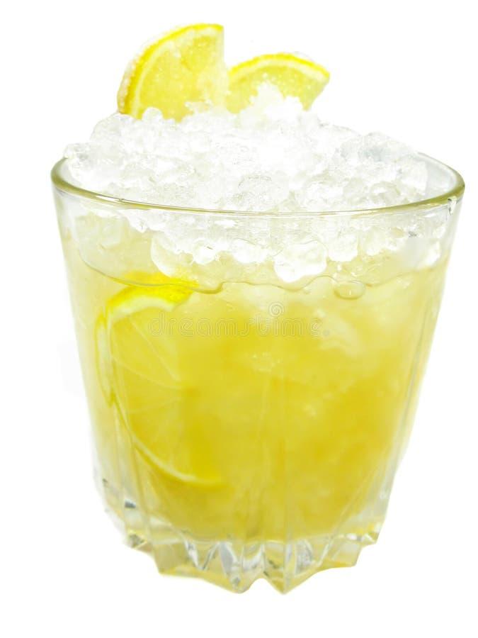 Alcoholische cocktaildrank met de schop van de citroenvanille stock foto's