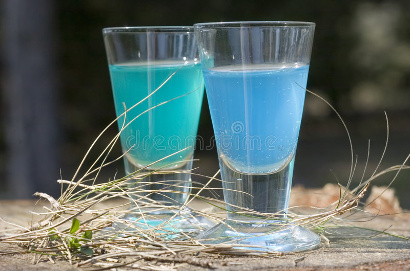 Download Alcool De Petit Morceau En Verre Image stock - Image du outside, macro: 743861