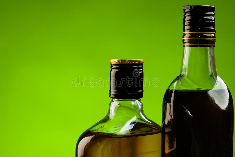 Download Alcool irlandese immagine stock. Immagine di alcool, whisky - 27683289