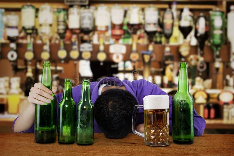 Alcoolizzato maschio fotografia stock