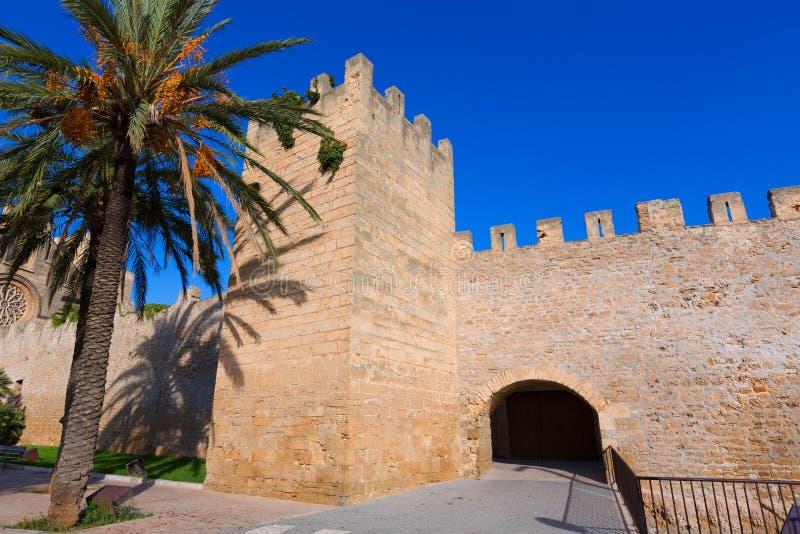 Alcudia波尔塔de马略卡在马略卡的老镇 免版税库存图片