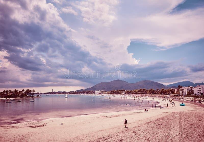 Alcudia海滩的减速火箭的被定调子的图片,西班牙 库存照片