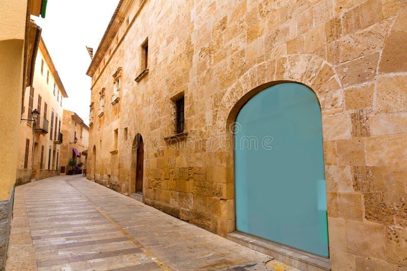 Alcudia老镇在马略卡拜雷阿尔斯的马略卡 图库摄影