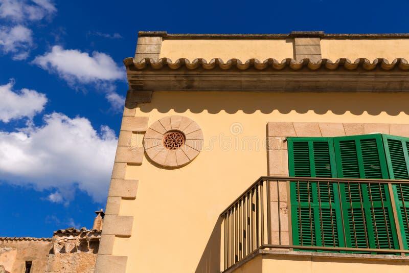 Alcudia老镇在马略卡拜雷阿尔斯的马略卡 免版税图库摄影