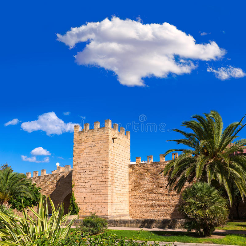 Alcudia老镇fortres墙壁在马略卡马略卡 图库摄影