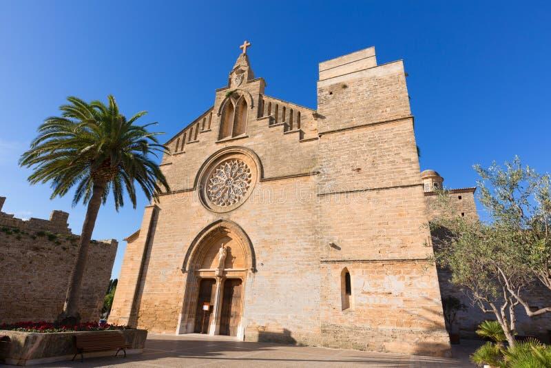 Alcudia老镇Sant Jaume教会在马略卡 库存图片