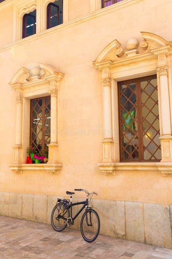Alcudia miasta Stary Grodzki urząd miasta Majorca Mallorca fotografia royalty free