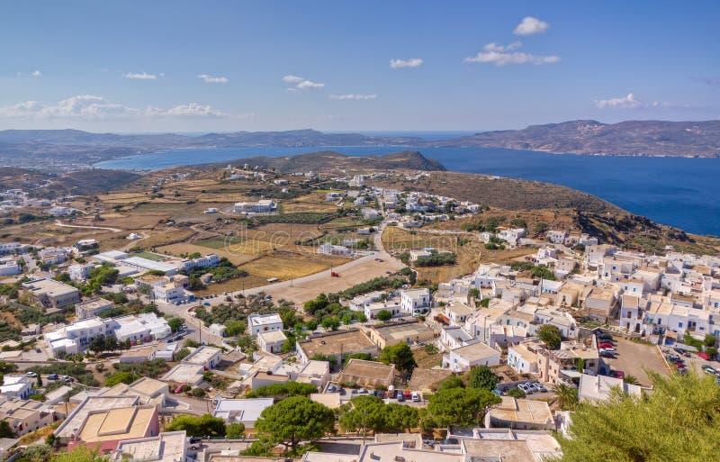 Aldea de Plaka y de Trypiti, Milos isla, Grecia foto de archivo libre de regalías
