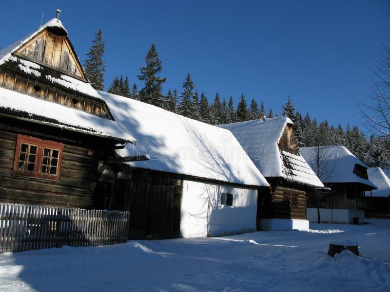 Aldea del invierno imagenes de archivo
