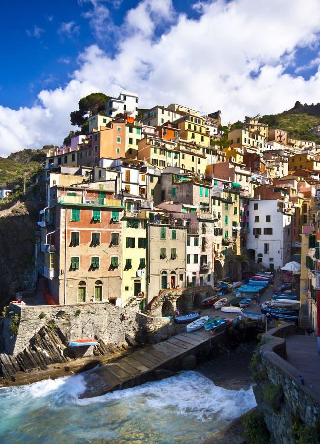 Aldea del pescador de Riomaggiore en Cinque Terre imágenes de archivo libres de regalías