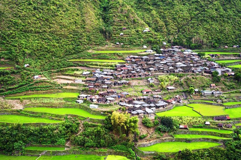 Aldea en las montañas de Cordillera fotografía de archivo libre de regalías