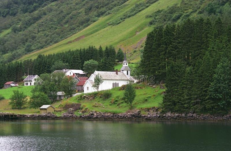 Aldea en los fiords fotografía de archivo