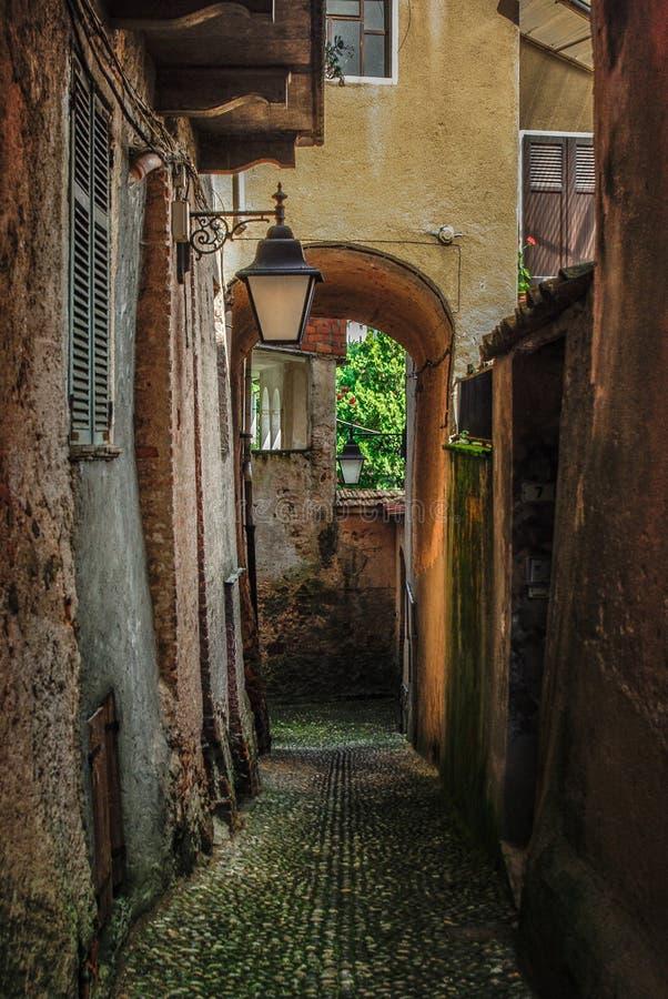 Aldea italiana vieja foto de archivo libre de regalías