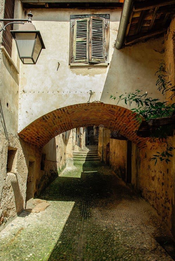 Aldea italiana vieja imagen de archivo libre de regalías