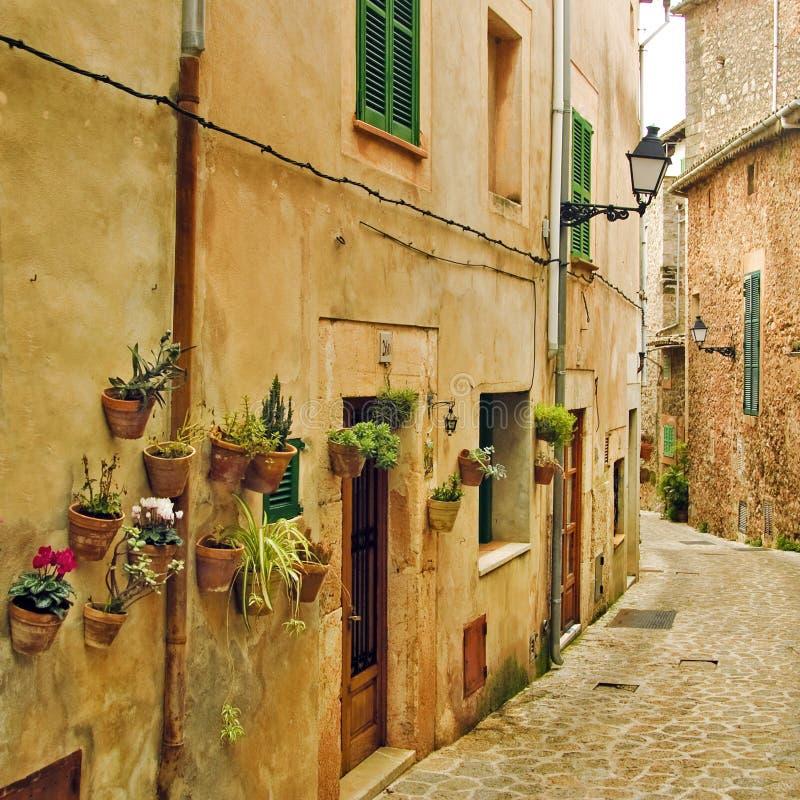Aldea mediterránea fotografía de archivo libre de regalías