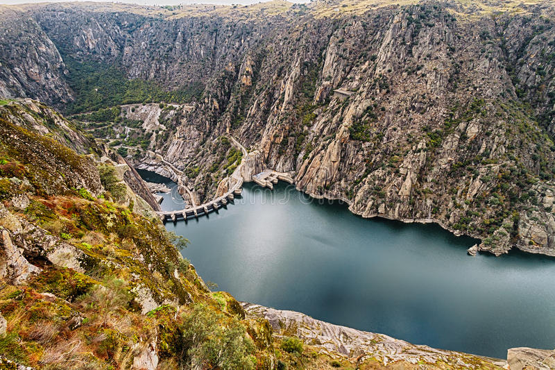 Aldeadavila水坝 免版税图库摄影