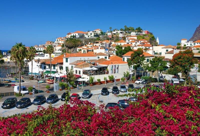 Aldeia piscatória Camara de Lobos em Madeira, Portugal fotografia de stock royalty free