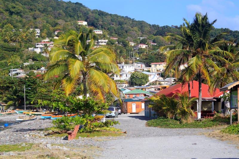 Aldeia piscatória da cabeça de Scotts em Domínica, ilhas das Caraíbas foto de stock