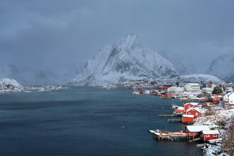Aldeia piscatória de Reine, Noruega foto de stock