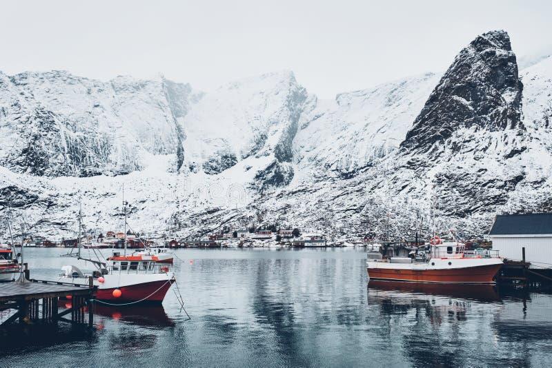 Aldeia piscatória de Reine, Noruega imagens de stock