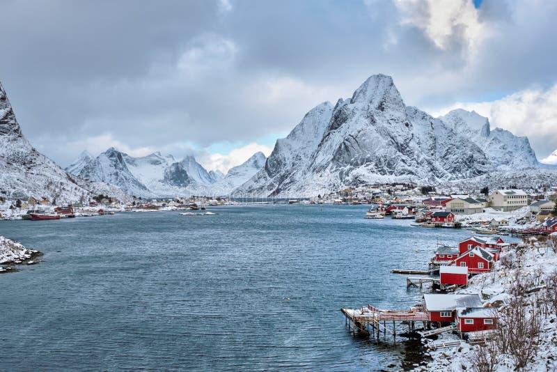 Aldeia piscatória de Reine, Noruega fotos de stock
