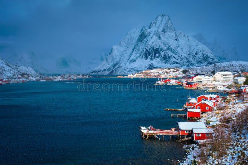 Aldeia piscatória de Reine, Noruega imagem de stock royalty free