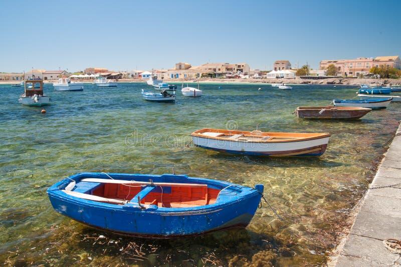 Aldeia piscatória mediterrânea fotos de stock