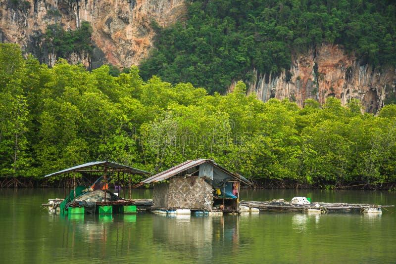 Aldeia piscatória Phang Nga, Tailândia fotografia de stock royalty free