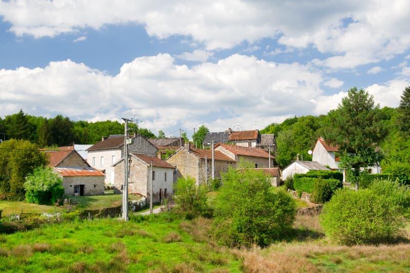 Aldeola típica pequena em France imagens de stock royalty free