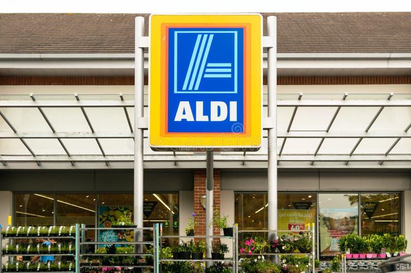 Aldi-Supermarkt lizenzfreie stockfotografie