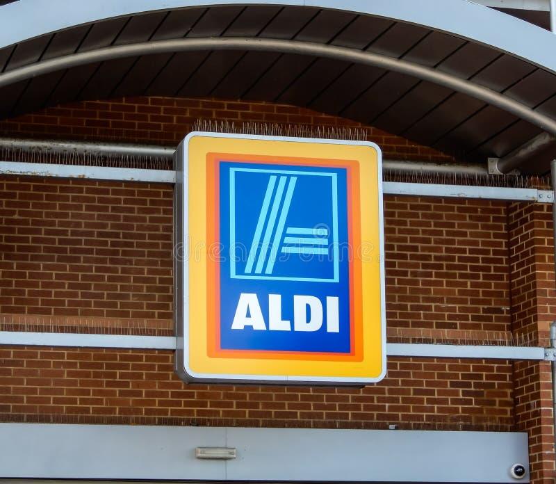 Aldi-Supermarktzeichen lizenzfreies stockfoto