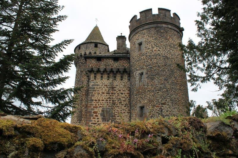 Aleaciones de plomo y estaño del DES del castillo francés, Cantal (Francia) imagenes de archivo